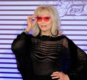 """Amanda Lear revient sur son idylle avec David Bowie, """"plutôt un bon amant"""""""