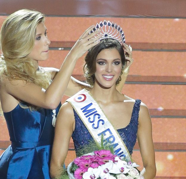 Iris Mittenaere, Miss France 2016 se confie sans langue de bois dans le dernier numéro de Voici.