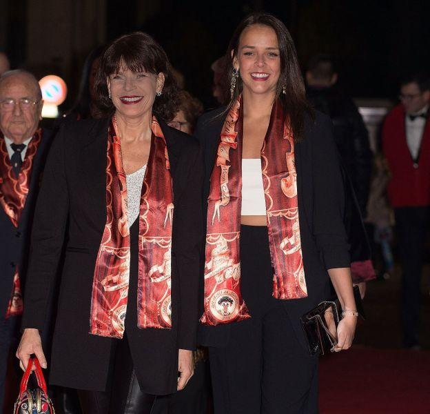 Pauline Ducruet et Stéphanie de Monaco lors de l'ouverture du 40ème Festival International du Cirque de Monte-Carlo le 14 janvier 2016.