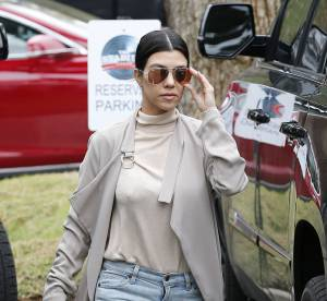 Kourtney Kardashian : déguisée et sans make up !