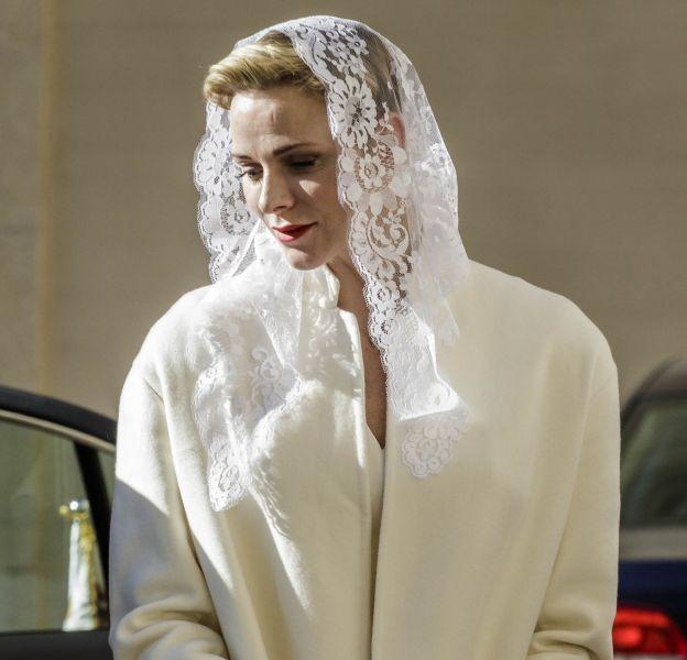 Charlène était intégralement vêtue de blanc pour sa visite au Vatican.