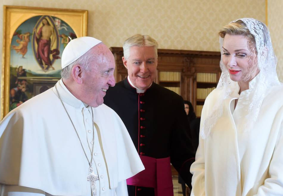 Charlène de Monaco était très émue de rencontrer le pape.