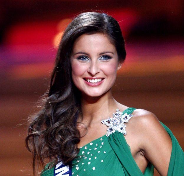 Malika Ménard partage son interview avec la nouvelle Miss France 2016.