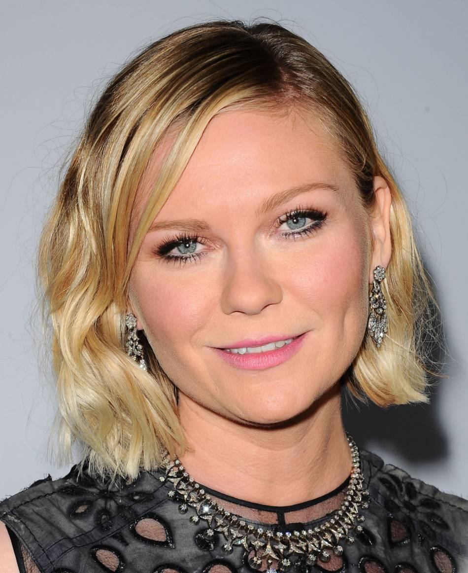Kirsten Dunst radieuse sur le red carpet.