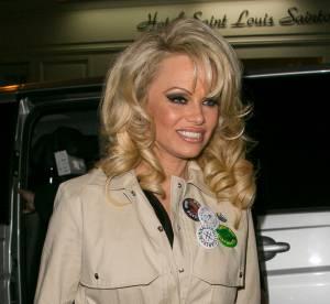 Pamela Anderson : ultra sexy et presque nue sous son trench !