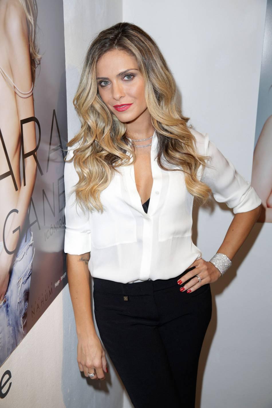 Clara Morgane Fashion Week