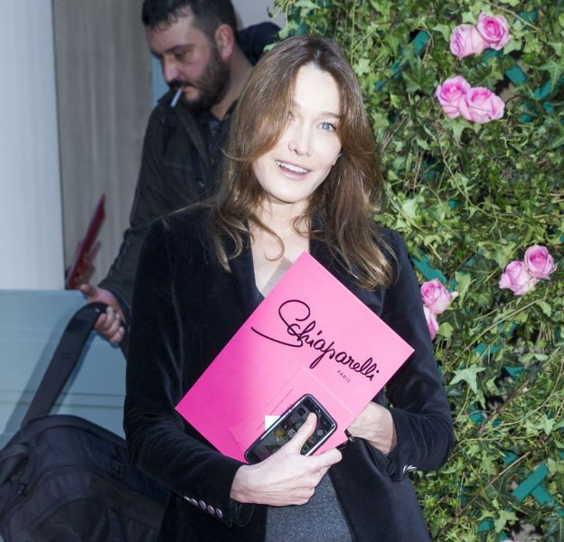 Carla Bruni-Sarkozy au défilé Haute Couture Printemps-Été 2016 Schiaparelli.