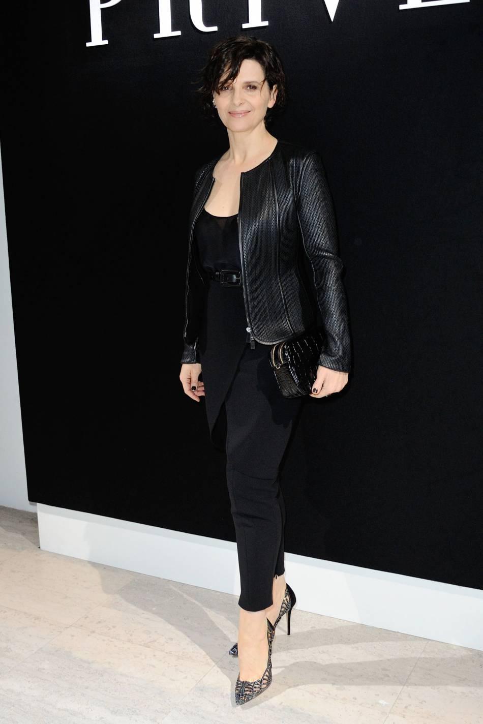 Juliette Binoche au défilé Haute Couture Printemps-Été 2016 Armani Privé.