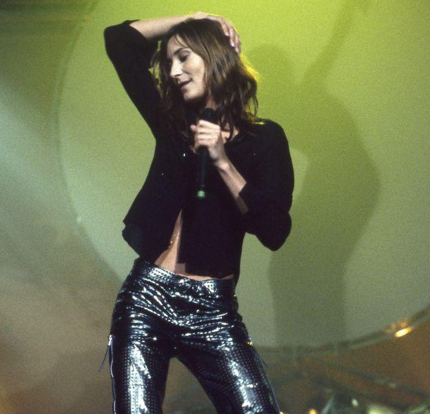 """Marquée par la fin des années 90, en 1995 Zazie était une amatrice des """"disco pants""""."""