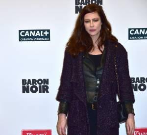Anna Mouglalis arborait un look casual chic à cette occasion.