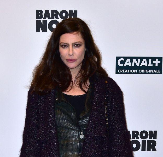 """Anna Mouglalis fait mouche lors du photocall de la nouvelle série de Canal+, """"Baron noir""""."""