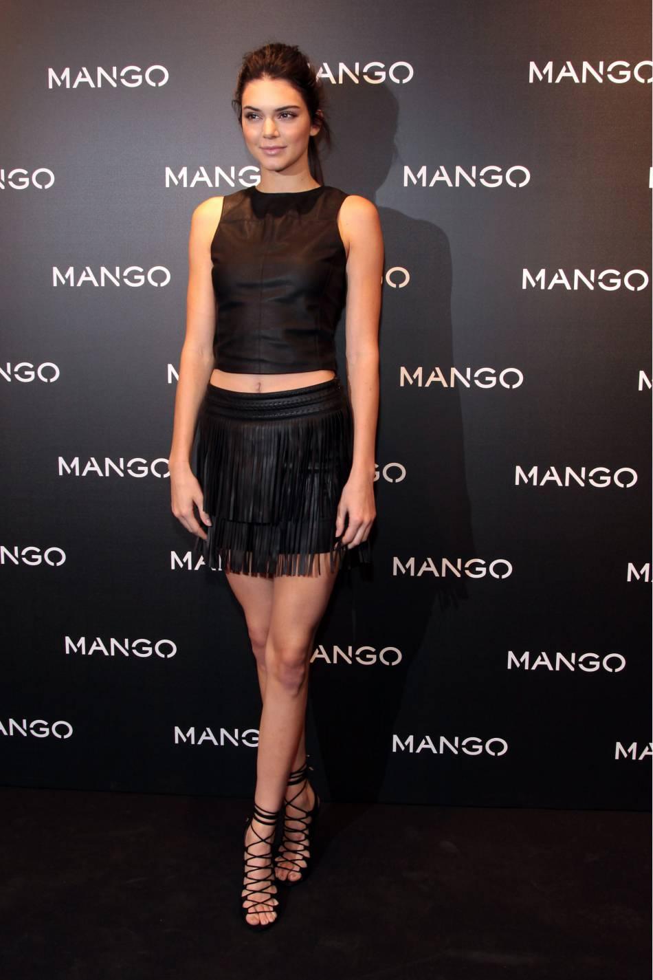 d980b8239515 Kendall Jenner à Barcelone pour la soirée Tribal Spirit The Secret de la  marque Mango.