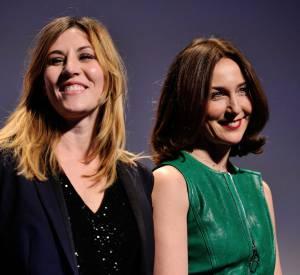 Matilde Seigner et Elsa Zylberstein, tout sourire pendant la cérémonie d'ouverture du 23e Festival international du film fantastique de Gérardmer, le 28 janvier 2016.