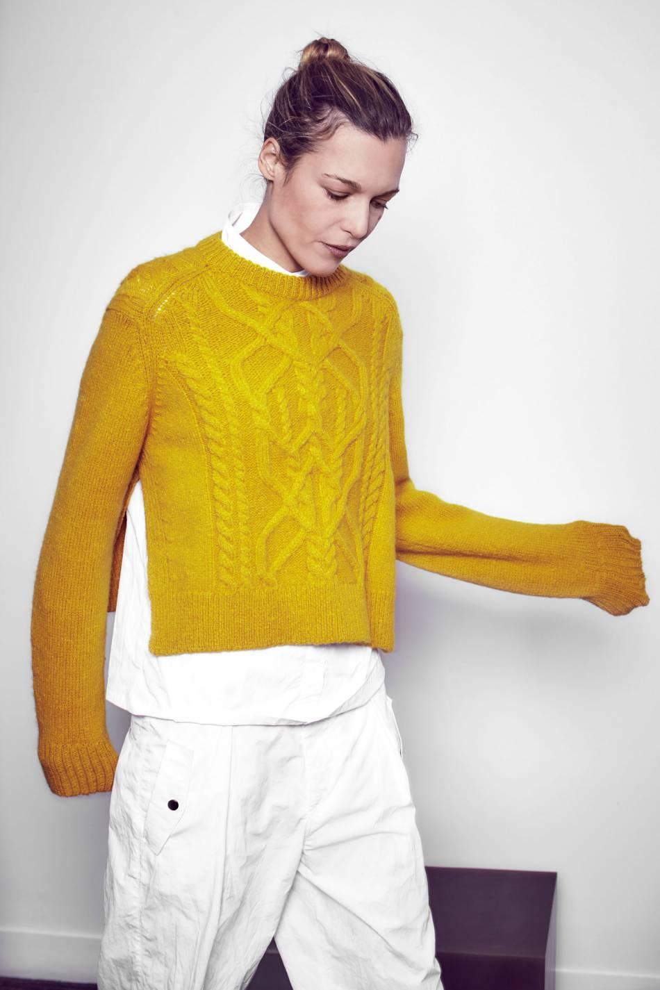 Moutarde en automne ? D'après Isabel Marant, cette couleur aura vraiment sa place dans nos dressings.
