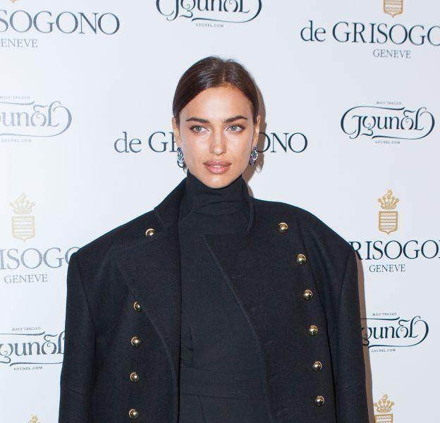 Irina Shayk croque sa palette L'Oréal Paris avec glamour.
