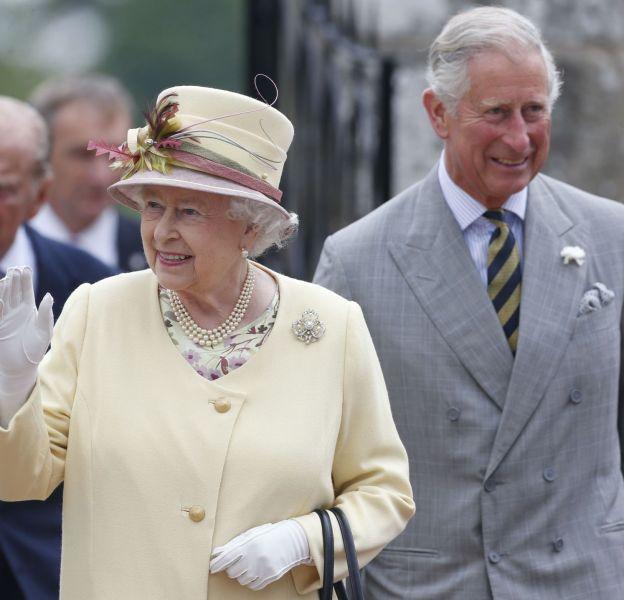 Le prince Charles s'est trouvé ému devant une photo de sa mère.