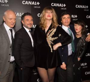 Daphné Bürki entourée des animateurs de la chaîne Canal+.