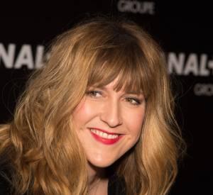 Daphné Bürki éblouissante, elle affiche un sourire radieux et éblouit sur le tapis rouge.