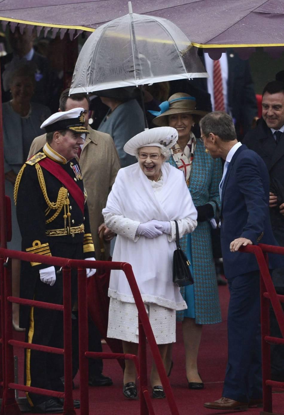 La reine Elisabeth II aura bientôt 90 ans mais elle reste une sacrée fêtarde. Ici pour son jubilé de diamant en 2012, elle avait déjà mis les petits plats dans les grands !