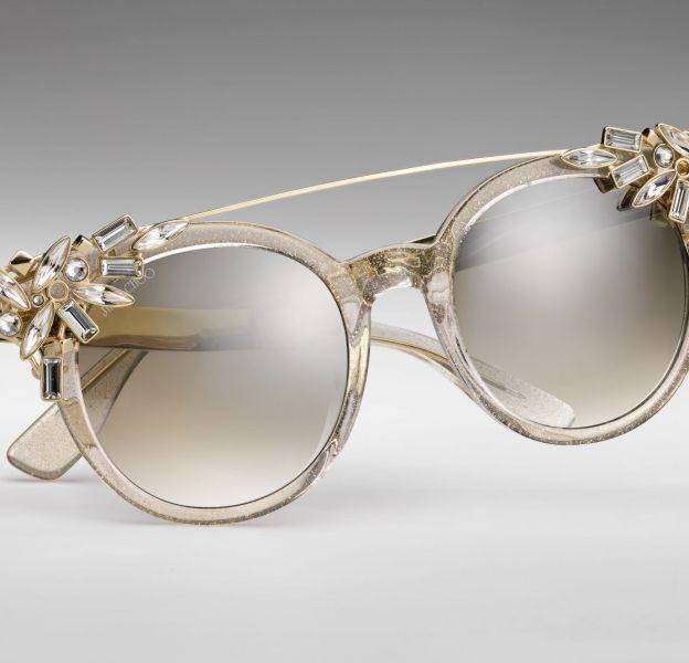 """Jimmy Choo dévoile ses lunettes anniversaire, les """"Vivy""""."""