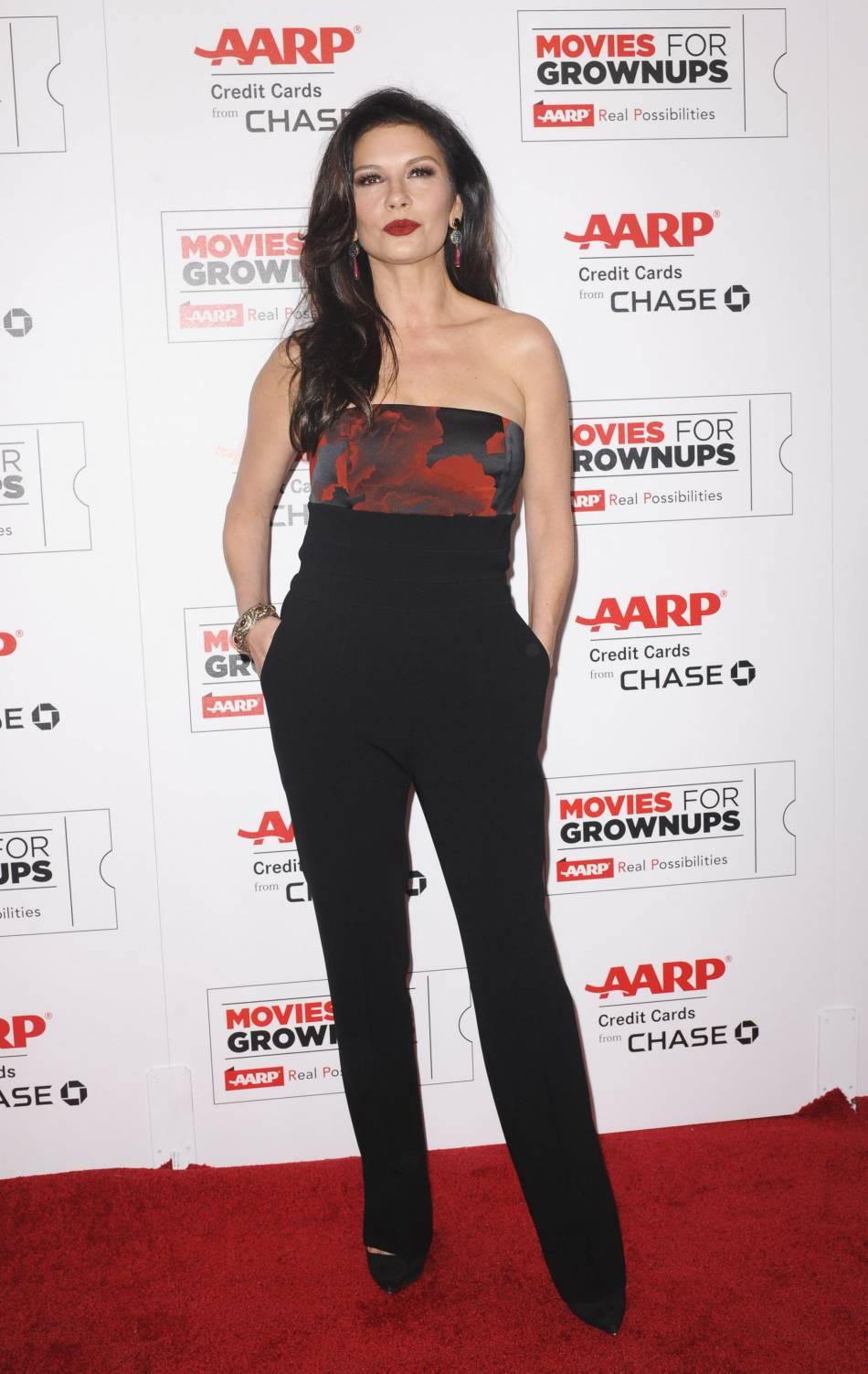 Catherine Zeta-Jones fait un come-back détonnant sur les tapis rouges.