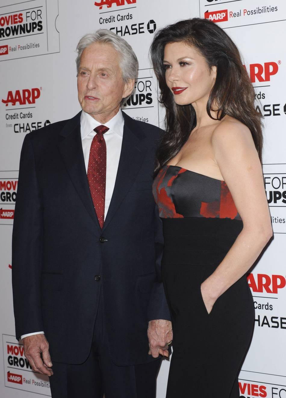 Catherine Zeta-Jones a assisté à la soirée des Movies for Grownups Awards en compagnie de son mari, Michael Douglas.