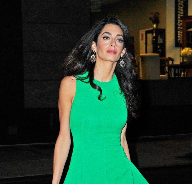 Amal Clooney aime être sexy lorsqu'elle ne plaide pas.