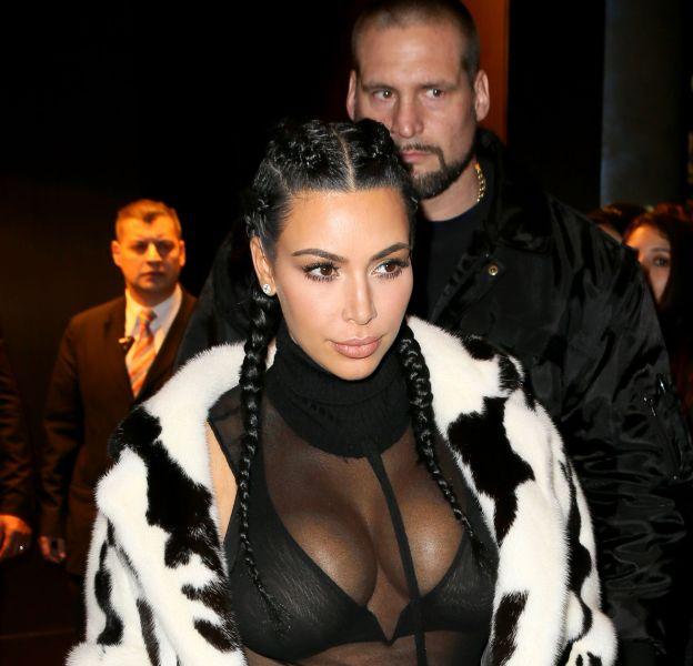 Kim Kardashian, Cruella d'Enfer à moitié dénudée dans les rues de New York.