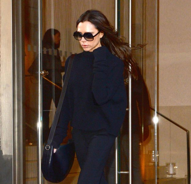 Victoria Beckham rend le jean flare absolument sexy.