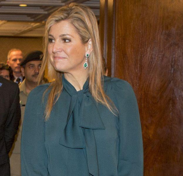 La Reine Maxima a adopté un total look vert franchement vilain. Quel dommage !