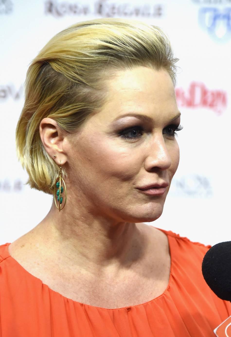 Jennie Garth affiche une bouche bien peu naturelle...