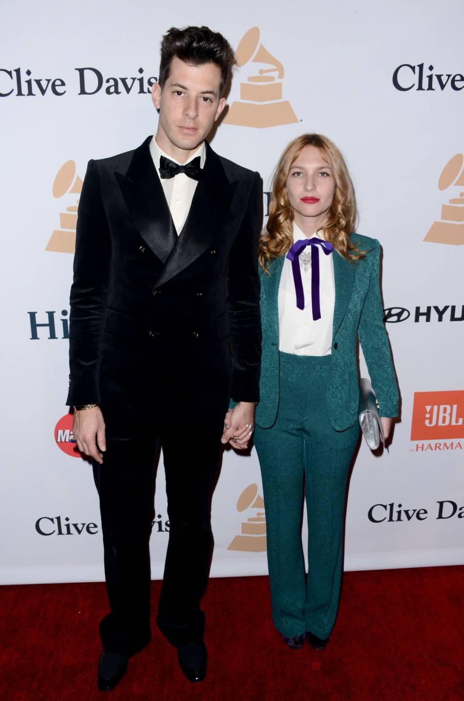 """Mark Ronson et Joséphine de la Baume au gala """"Pre-GRAMMY and Salute to Industry Icons honoring Irving Azoff"""" au Beverly Hilton Hotel à Los Angeles le 14 février 2016."""