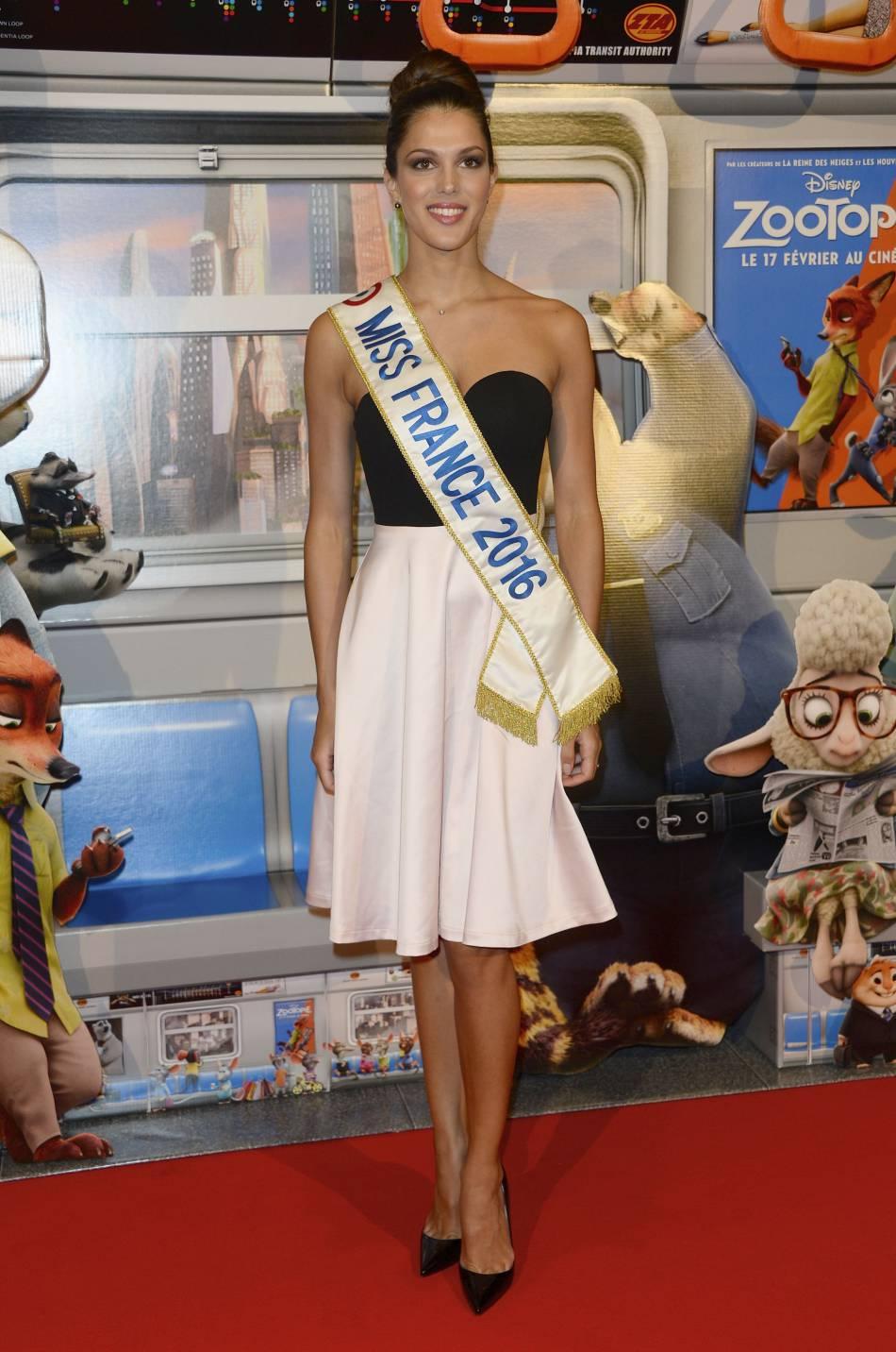 Iris Mittenaere : Miss France 2016 a partagé un cliché d'elle en bikini sur Instagram.