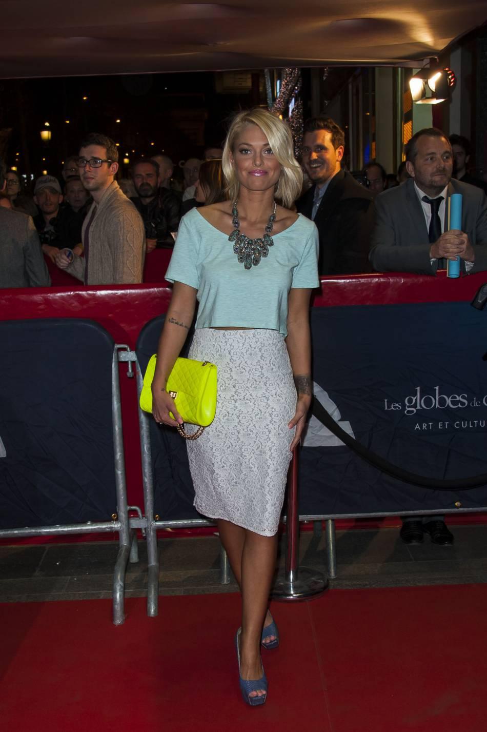 Caroline Receveur, plus glamour que jamais le temps d'un mystérieux shooting photo.