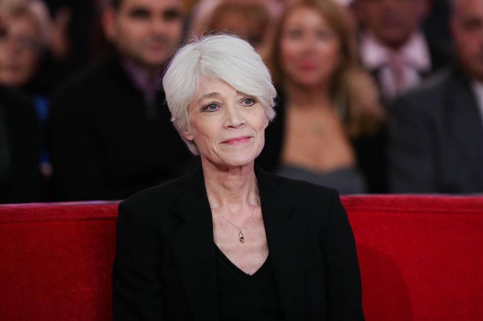 """Françoise Hardy est aujourd'hui  """"sortie d'affaire"""" ."""