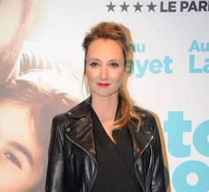 Audrey Lamy : total look noir rock'n'roll pour une future maman qui s'arrondit