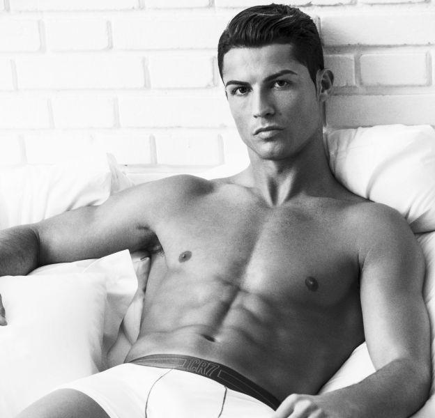 Cristiano Ronaldo pose en slip kangourou pour la victoire de son équipe contre le FC Barcelone.