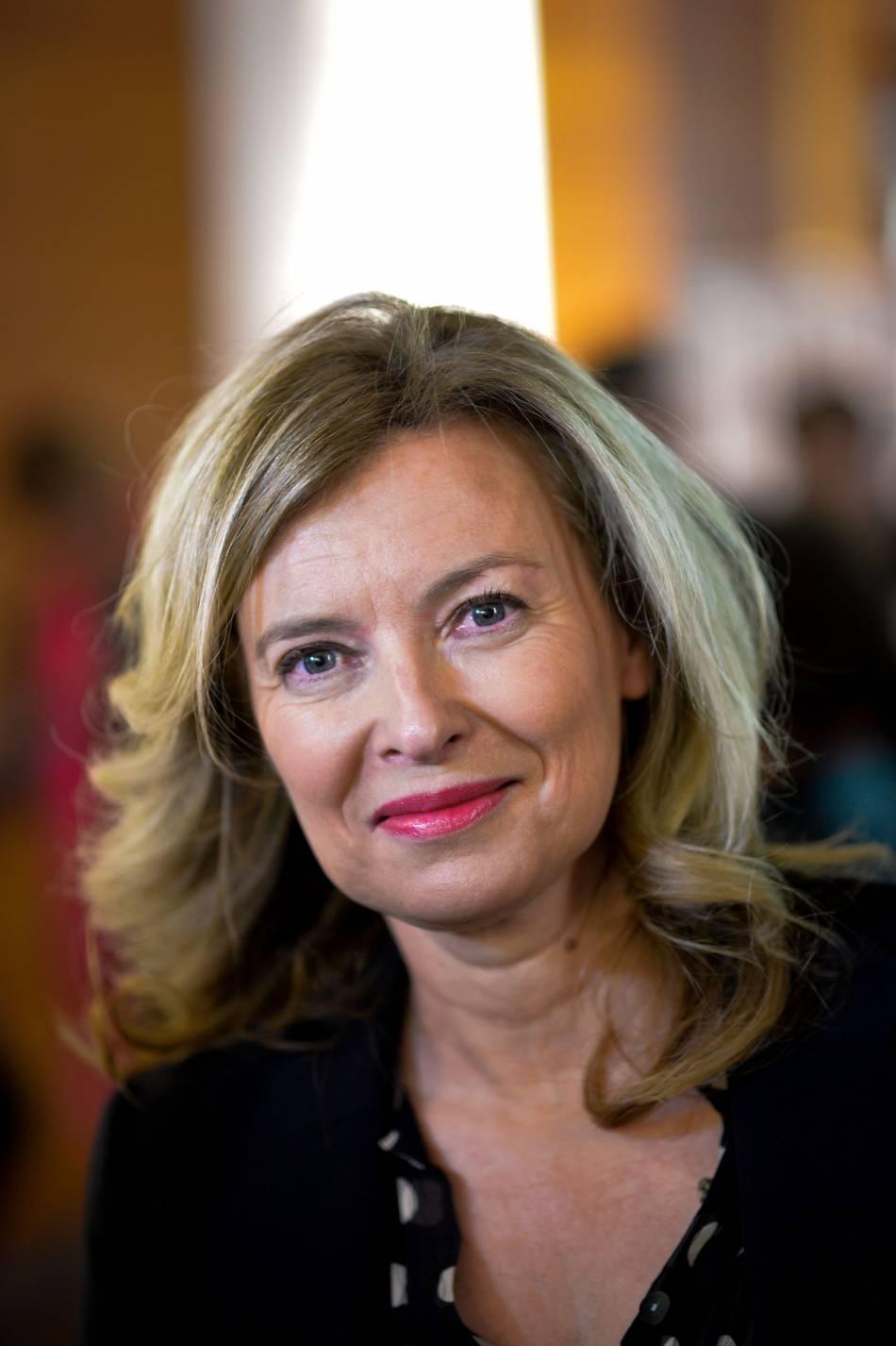 Valérie Trierweiler apparait de nouveau photoshopée pour  Richesse  magazine.