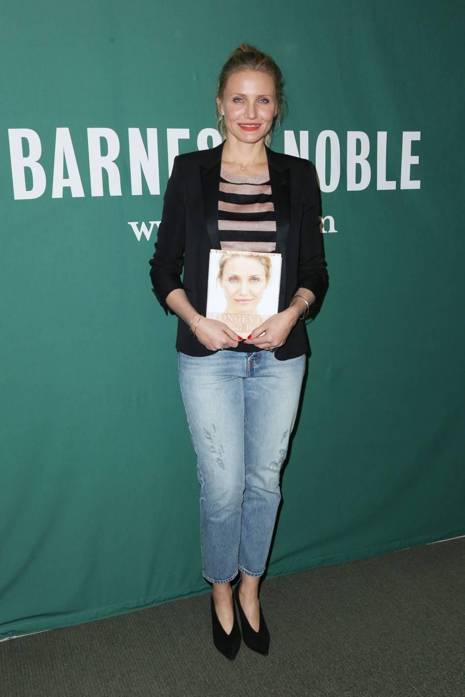Cameron Diaz en pleine promo chez Barnes & Noble.