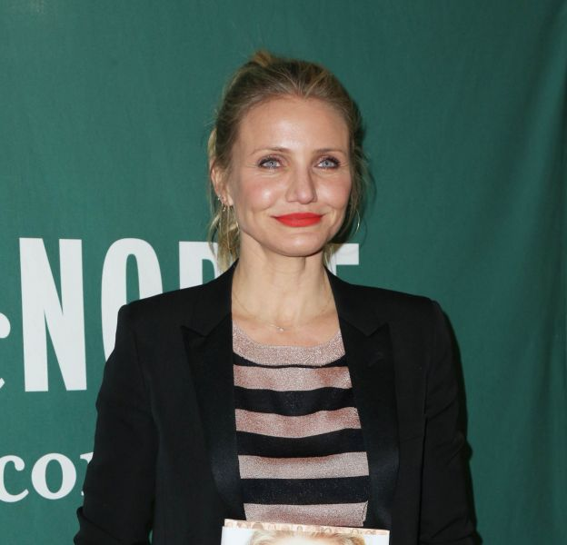 "Cameron Diaz assure la promo de son livre ""The Body Book : The Law of Hunger, the Science of Strength, and Other Ways to Love Your Amazing Body"" à New York le 6 avril 2016."