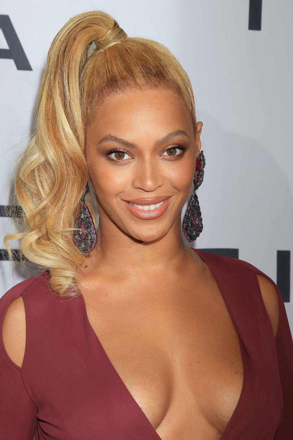 Beyoncé défend le droit d'être sexy et féministe à la fois.