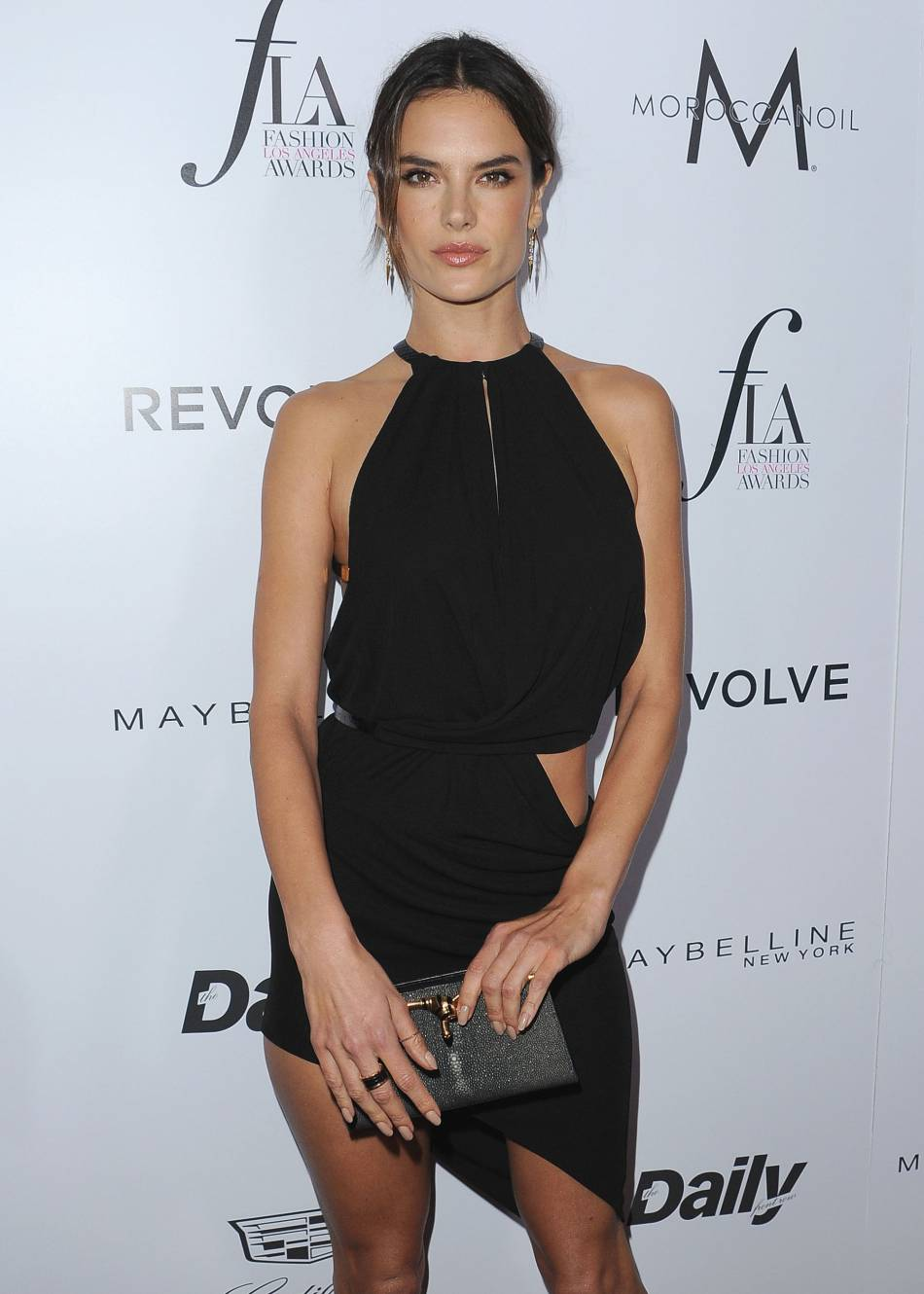 Le mannequin ultra sexy, Alessandra Ambrosio, fête ses 34 ans.