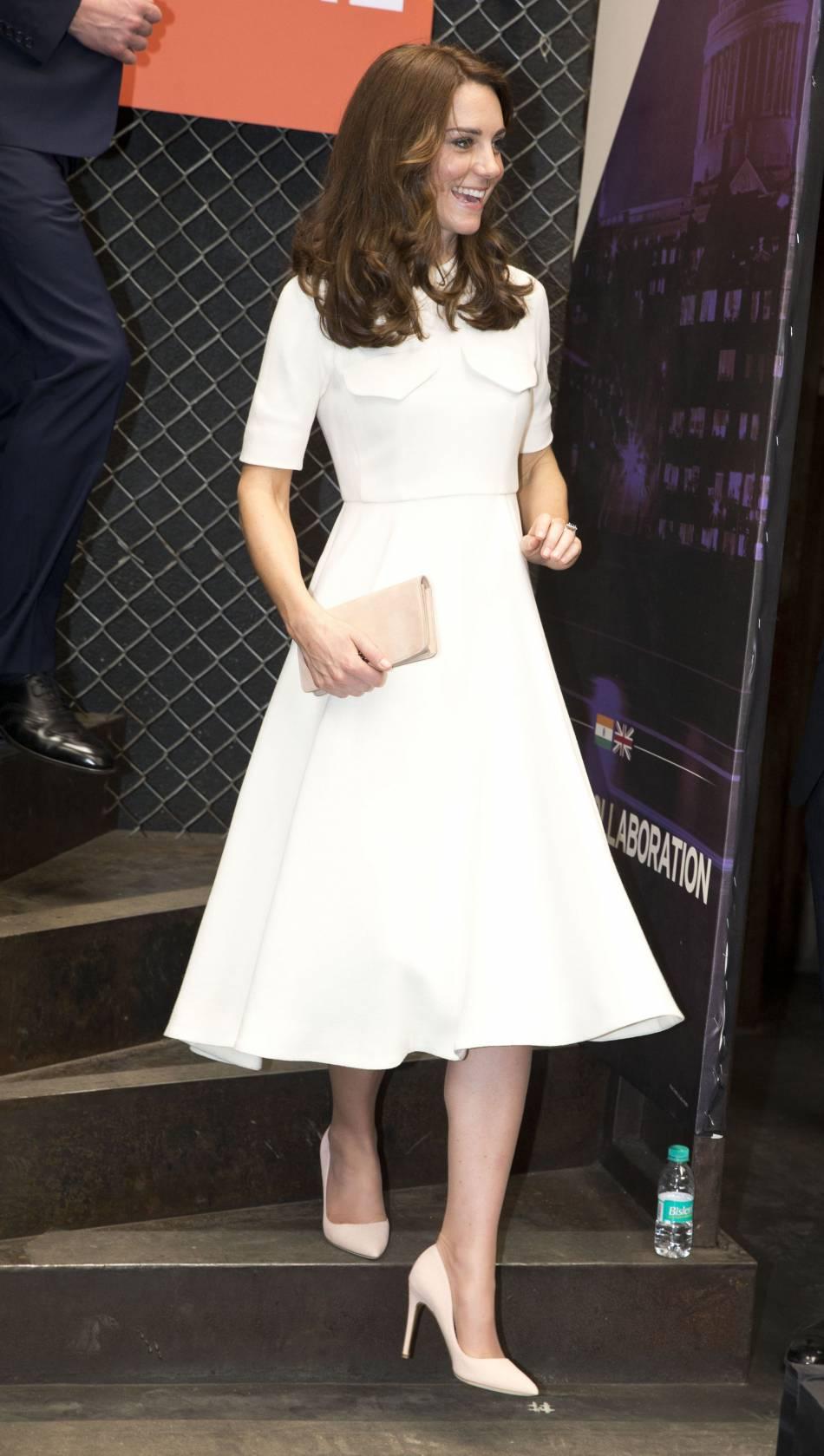 Kate Middleton dans une ravissante robe blanche signée Emilia Wickstead. Un look peut-être un peu trop sage.