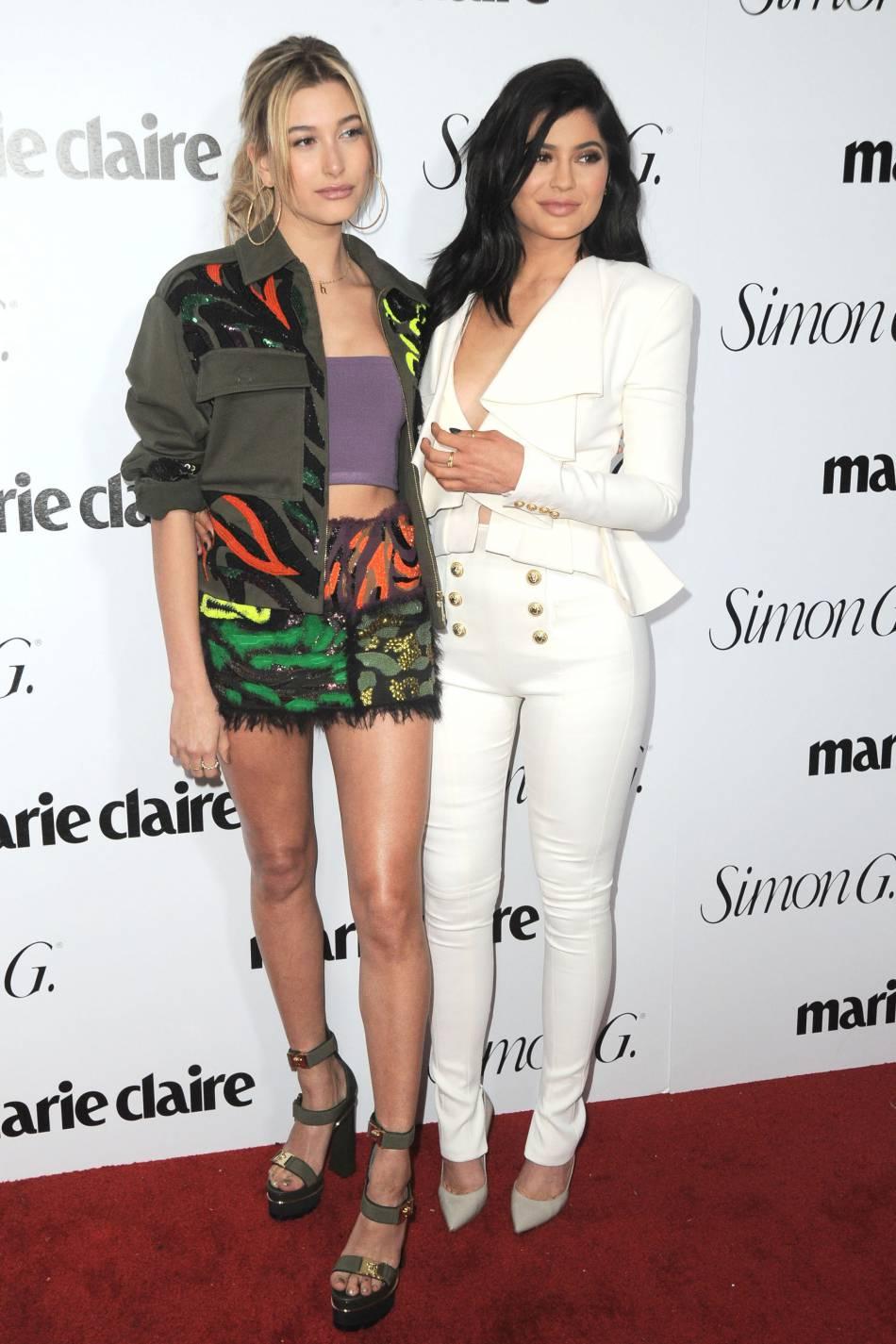 Hailey Baldwin et Kylie Jenner : les best friends prennent la pose sur le tapis rouge.