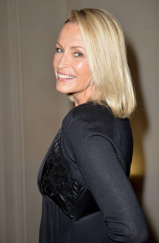 Estelle Lefébure enchaîne les émissions pour faire la promotion de son livre.