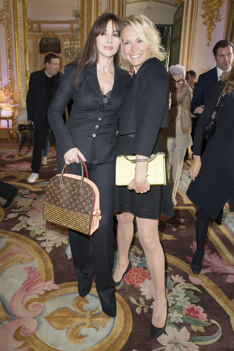 Estelle Lefébure et Monica Bellucci, deux vrais canons.