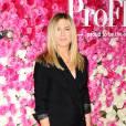 """Jennifer Aniston était sexy dans un total look noir sensuel pour la première du film """"Mother's day"""" à Los Angeles."""