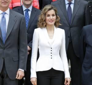 Letizia d'Espagne fait de l'effet en tailleur sexy
