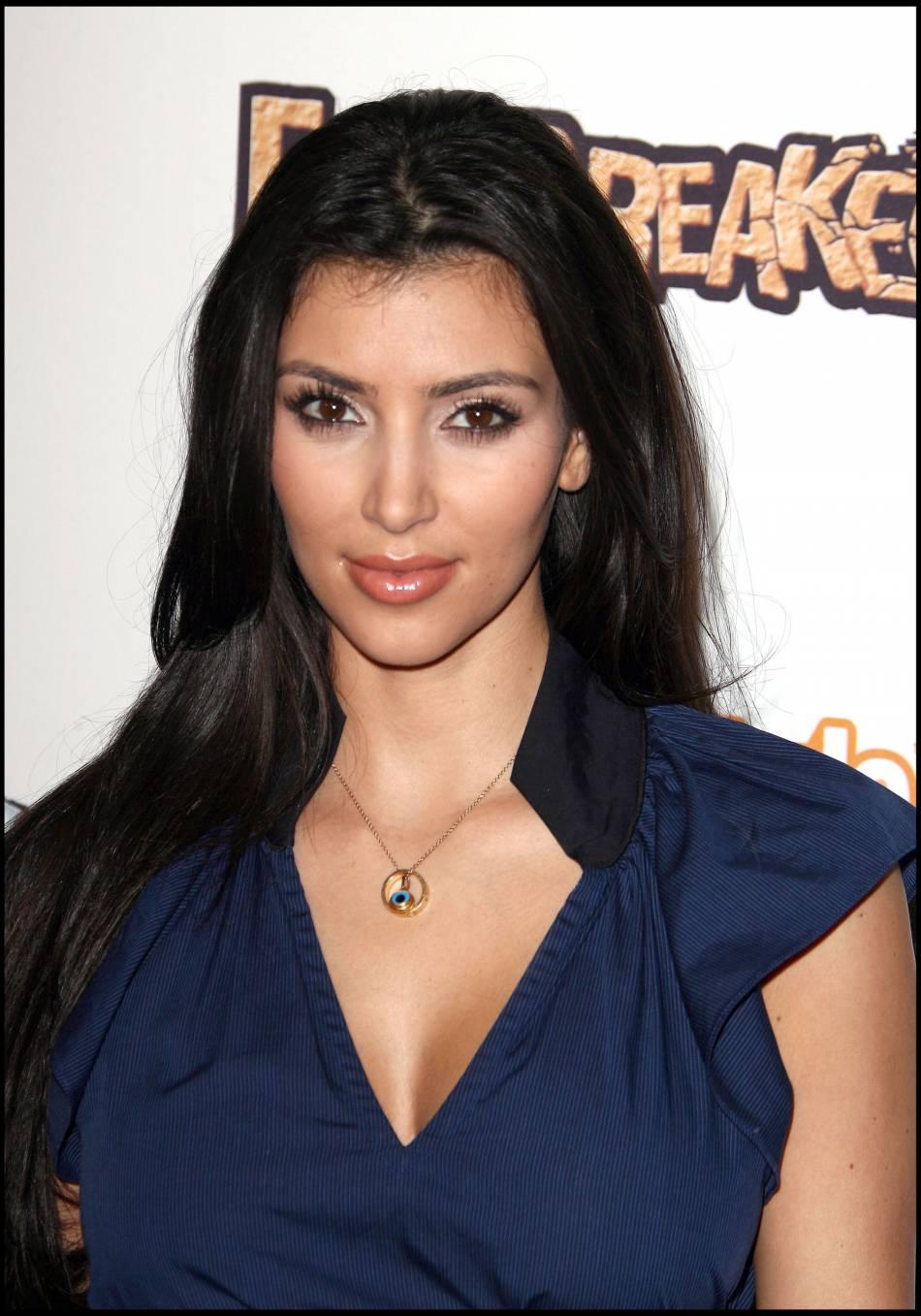Kim Kardashian n'a plus du tout cette tête, ni cette implantation de cheveux.