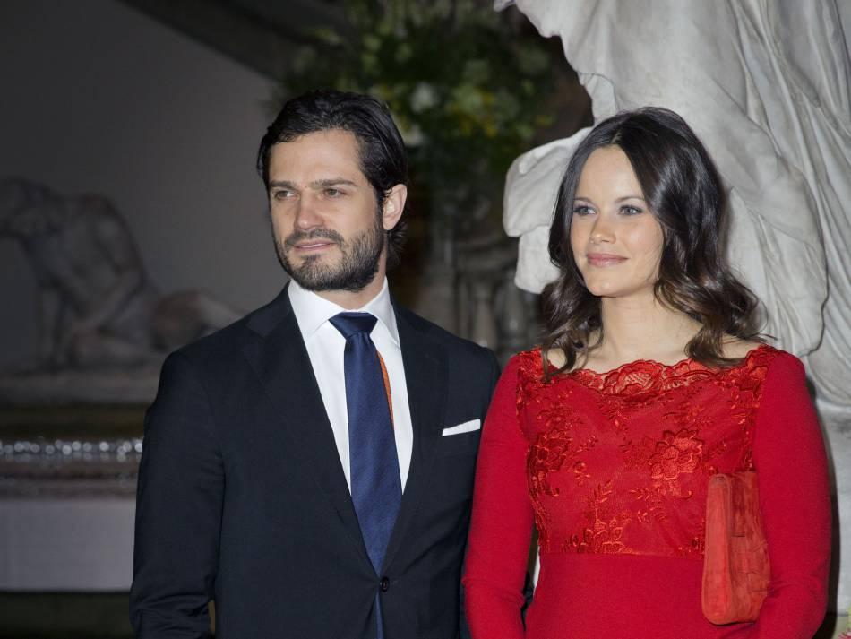 La princesse Sofia et le prince Carl Philip de Suède vont vivre durant un an au palais royal de Stockholm.